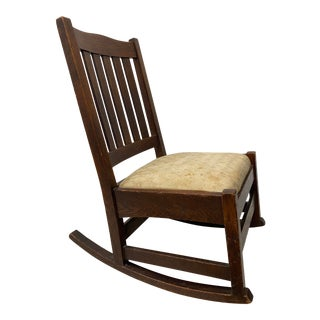 Early 20th Century Stickley Mission Oak Rocking Chair C.1910 For Sale