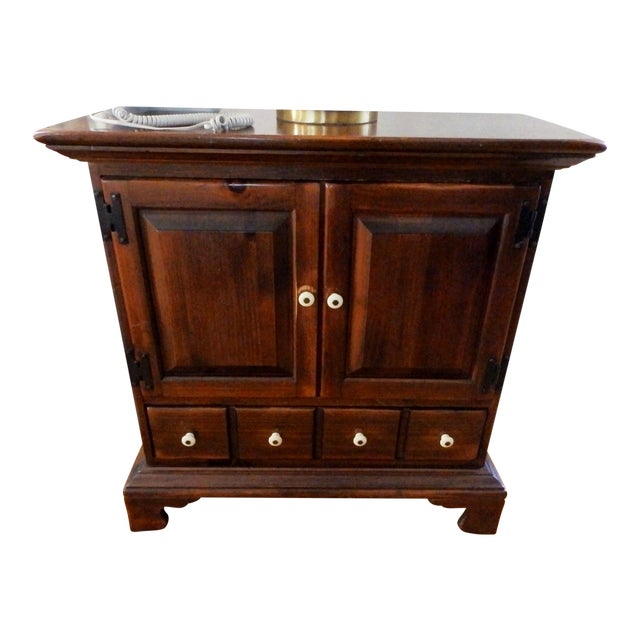 20th Century Early American Ethan Allen Dark Pine Old Tavern Console Cabinet For Sale