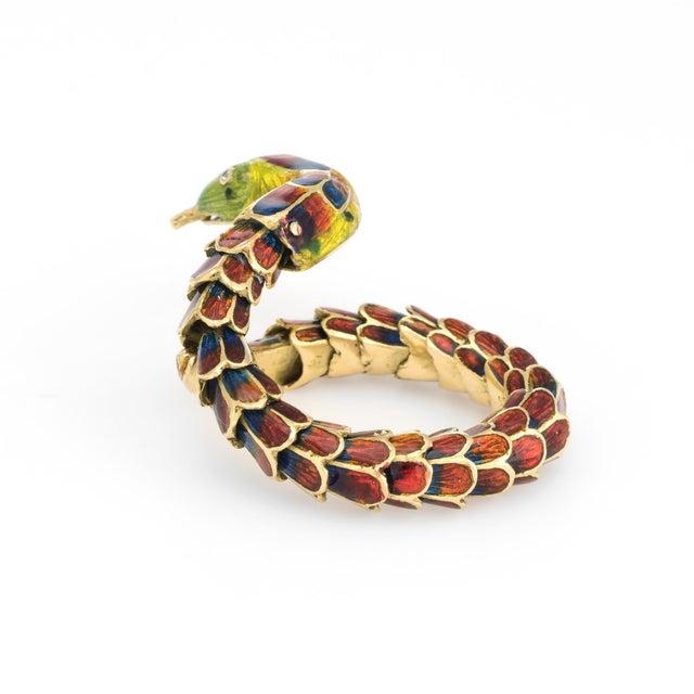 Vintage Snake Ring 18 Karat Gold Enamel Flexible Estate Fine Jewelry Scales For Sale - Image 4 of 8