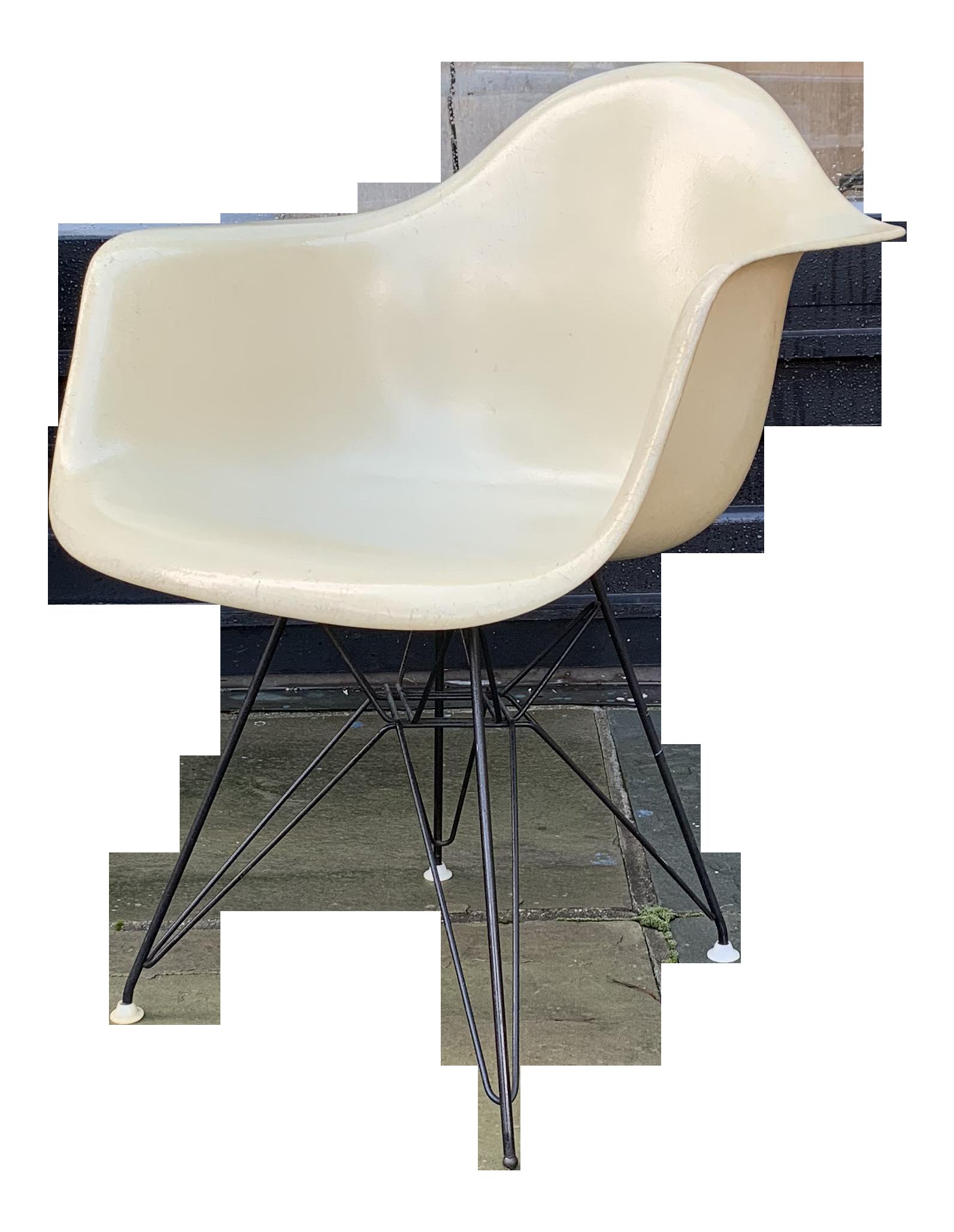 Eames Eiffel Tower Shell Chair