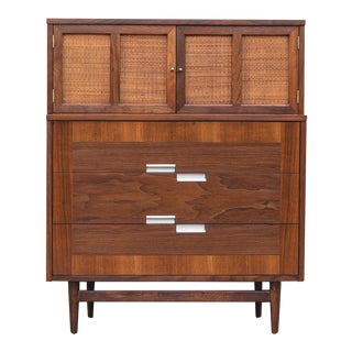 1960s Mid Century Modern American of Martinsville Accord Highboy Dresser For Sale