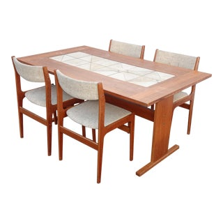 Vintage Danish Mid Century Modern Dining Room Table and Four Chairs Mobelfabrik For Sale