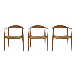 Hans Wegner 'the Chair' Model Jh501, Johannes Hansen, Denmark, 1950s - Set of 3 For Sale