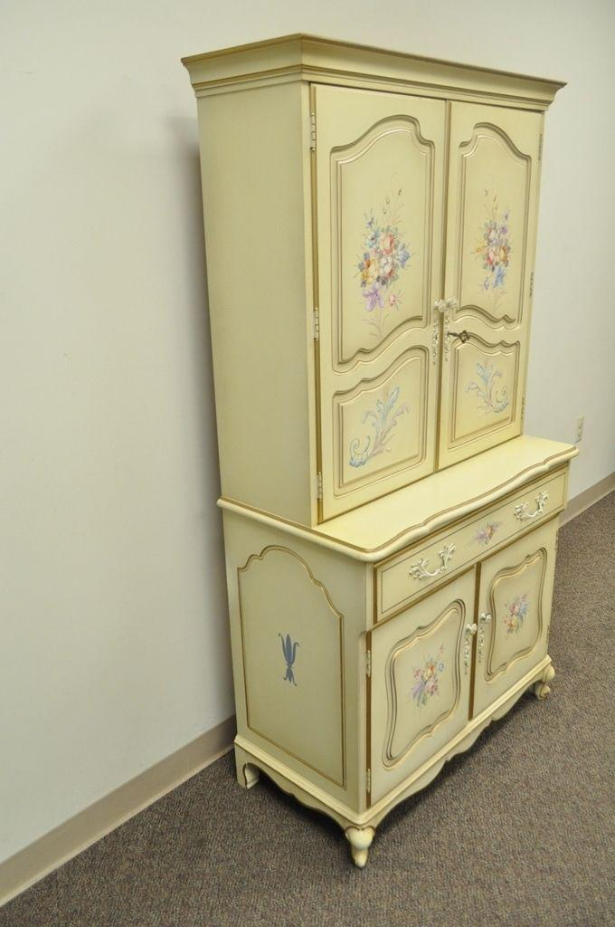 1970s Vintage French Country Provincial Floral Painted Liquor Bar Cocktail  Cabinet For Sale   Image 5