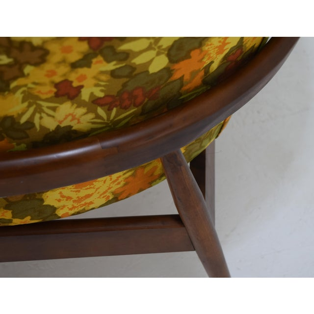 1960s Barrel Back Tufted Floating Chair For Sale - Image 5 of 9