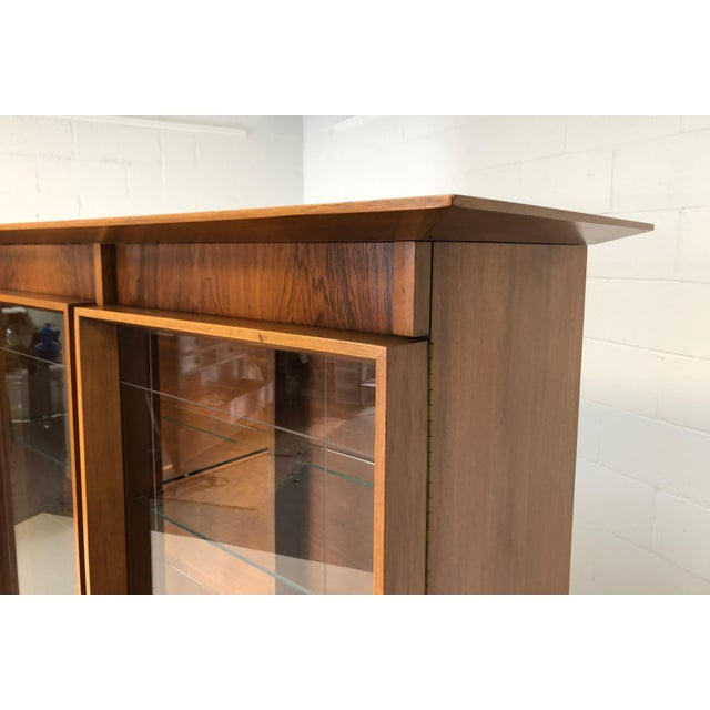 Brown Mid Century Modern Atomic Credenza and Hutch Display For Sale - Image 8 of 11