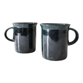 Bennington Potters Green Agate Mugs - A Pair For Sale