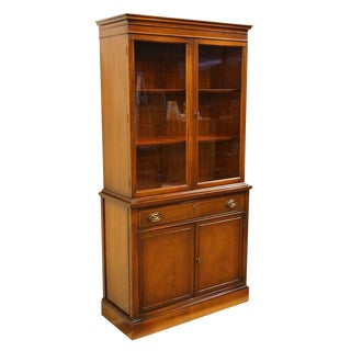 Bassett Furniture Hepplewhite Duncan Phyfe Display China Cabinet For Sale