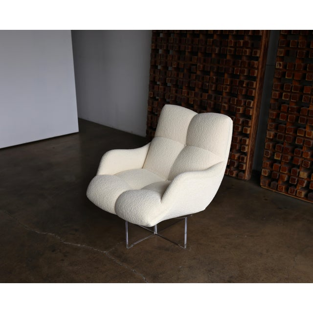 Vladimir Kagan Lucite and Bouclé Swivel Lounge Chair Circa 1970 For Sale - Image 9 of 13