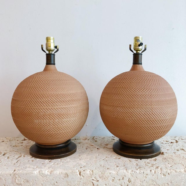 Tan Pair Vintage Mutual Sunset Incised Pottery Terra Cotta Spherical Lamps For Sale - Image 8 of 8