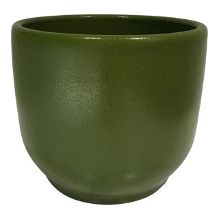 Gainey Ceramics T6 Green Planter