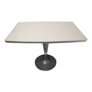 Tulip Pedestal Table, Brunswick