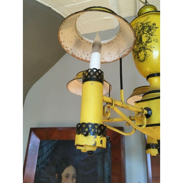 Early 20th Century Regency French Yellow Painted Tole Five Light Chandelier For Sale - Image 9 of 13