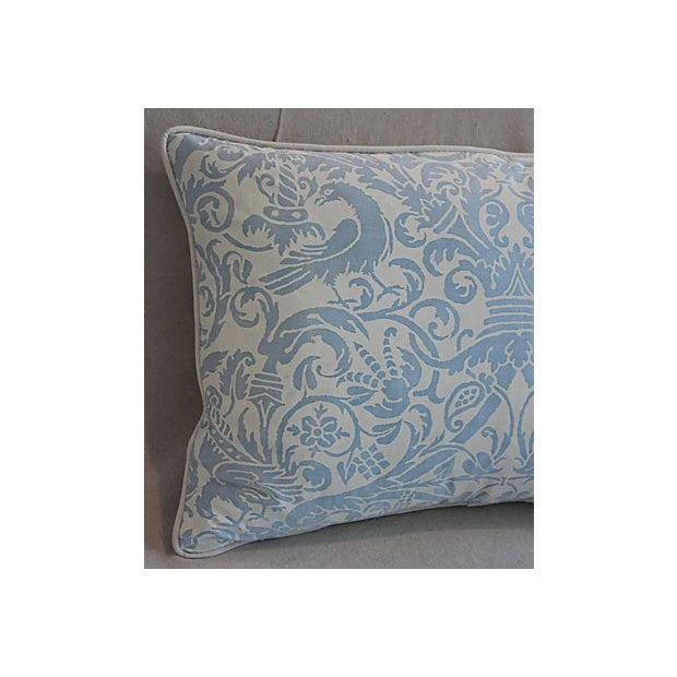 """26"""" X 18"""" Custom Tailored Italian Fortuny Uccelli Feather/Down Pillows - a Pair For Sale In Los Angeles - Image 6 of 11"""