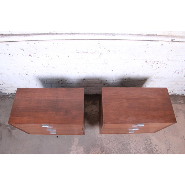 Metal George Nelson for Herman Miller Walnut Three-Drawer Bachelor Chests or Nightstands, Pair For Sale - Image 7 of 10