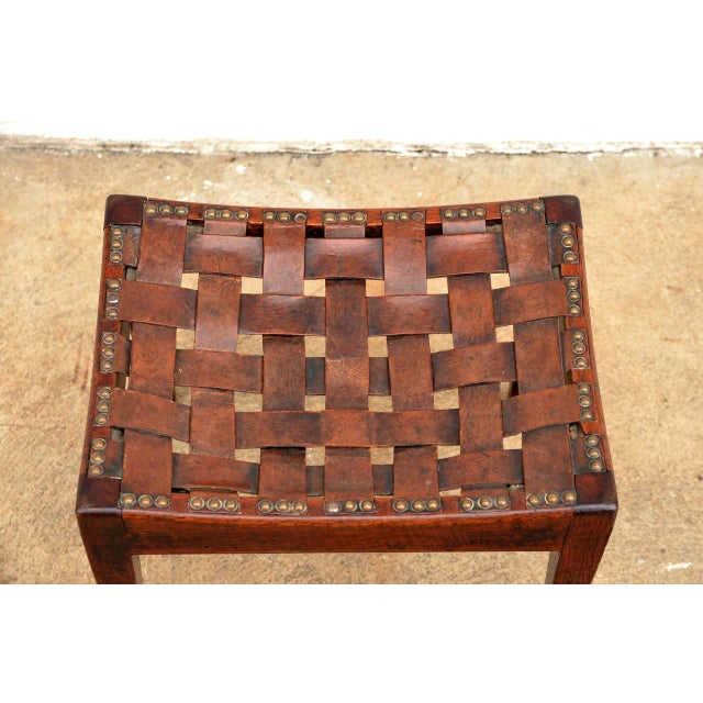 English Arts and Crafts Polished Oak and Leather Stool by Arthur Simpson For Sale - Image 4 of 5