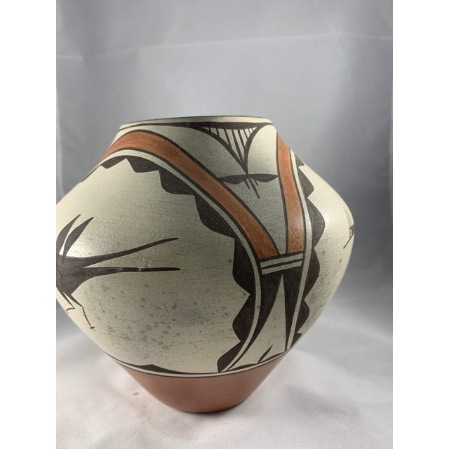 1970s Southwest Zia Pueblo Roadrunner Polychrome Pottery For Sale - Image 5 of 12