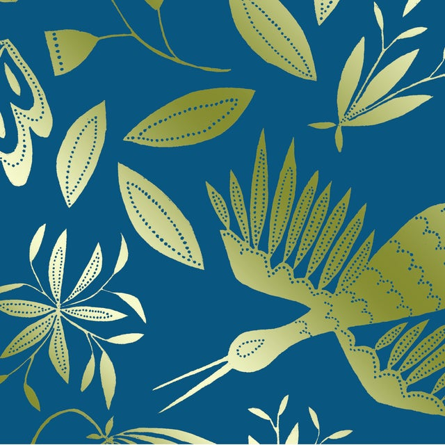 Transitional Julia Kipling Otomi Grand Wallpaper, 3 Yards, in Virgo, Gold Flash For Sale - Image 3 of 3