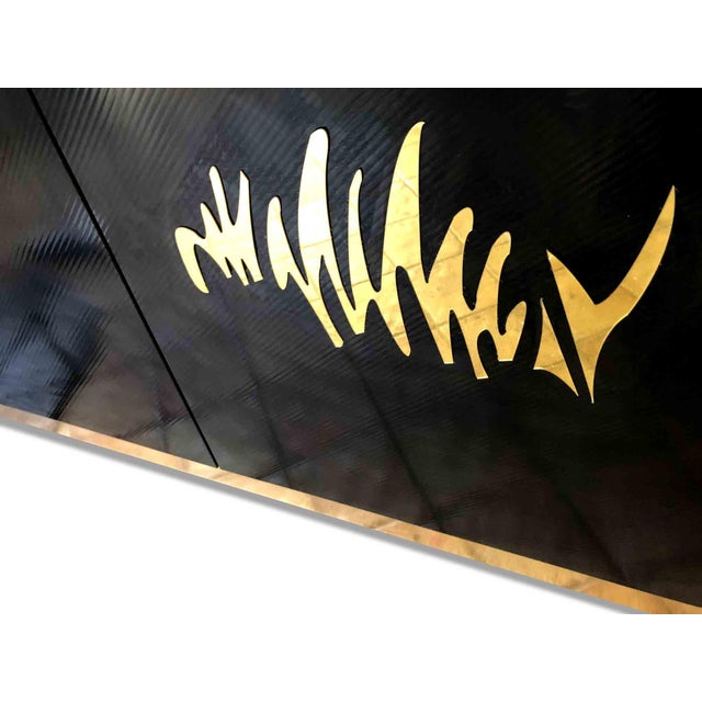 1970s 1970s Hollywood Regency Black and Gold Mirror Scribble Credenza For Sale - Image 5 of 12