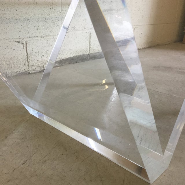 Transparent Cantilevered Glass & Lucite Coffee Table For Sale - Image 8 of 10