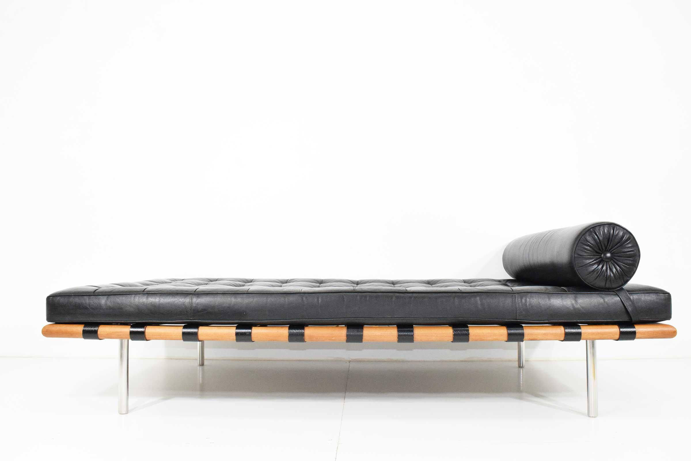 Lovely 1960s Mies Van Der Rohe Barcelona Daybed Decaso