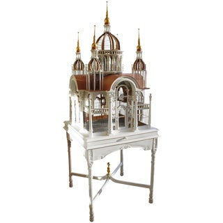 20th Century Traditional Painted and Gilded Bird Cage on Stand For Sale