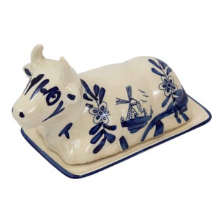 Mid 20th Century Hand Painted Blue & White Cow Butter Dish For Sale