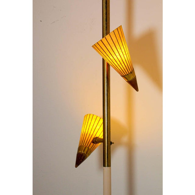 1950s Adjustable Vintage Three Shades Extension Pole Lamp by Gerald Thurston For Sale In Los Angeles - Image 6 of 13