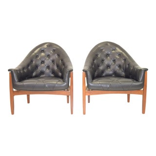 Sexy Pair of Black Leather Tufted Chairs by Milo Baughman For Sale