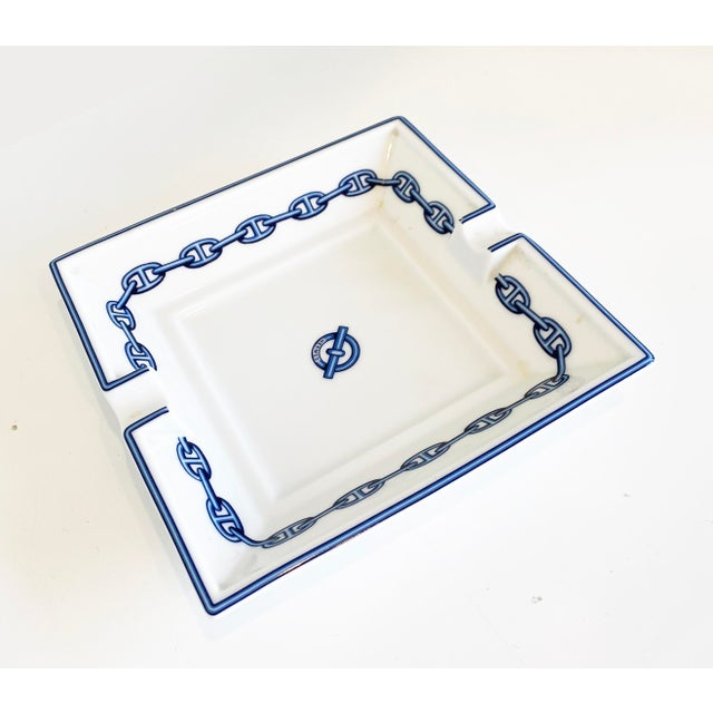 Hermes Chaine d' Ancre Printed Porcelain Dish White with the traditional blue Chaine d' Ancre motif around the border. A...