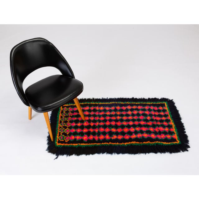 Mid-Century Modern Hand-Tufted Peruvian Shag Rug For Sale - Image 3 of 10