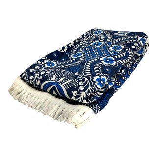 Vintage Smithsonian Blue & White Pattern & Decorative Fringe Throw Blanket For Sale
