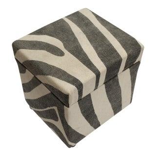 Arya Jerrod Ivory & Gray Kilim Upholstered Handmade Ottoman For Sale
