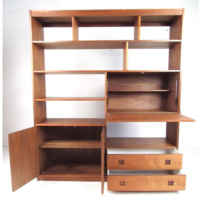 Mid-Century Modern Mid-Century Walnut Bookcase or Wall Unit For Sale - Image 3 of 13