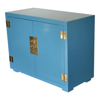 Vintage Henredon Chinoiserie Blue With Brass Hardware Cabinet