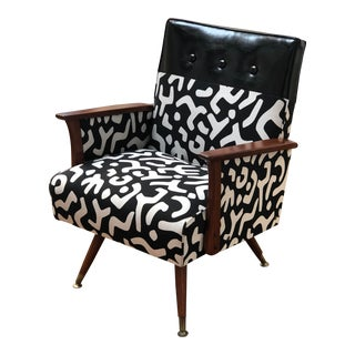 Mid-Century Modern Graphic Pattern Lounge Chair For Sale