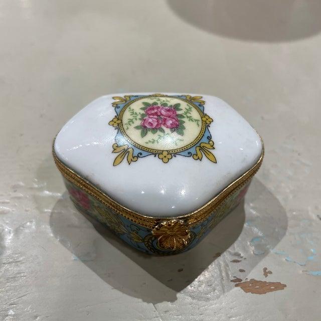 Ceramic 1950s Limoges France Porcelain Box For Sale - Image 7 of 7