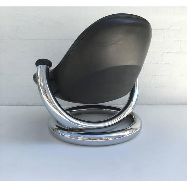 Chrome and Black Leather Anaconda Lounge Chair by Paul Tuttle For Sale In Palm Springs - Image 6 of 10