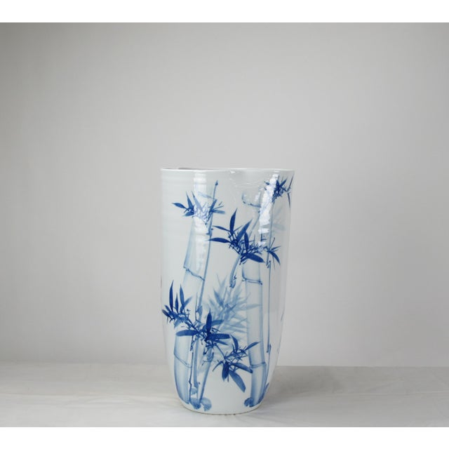 Chinoiserie Chinoiserie Blue & White Porcelain Vase For Sale - Image 3 of 8