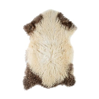"Contemporary Natural Sheepskin Pelt - 2'2"" x 3'4"" For Sale"