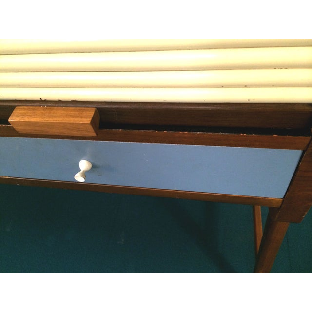 Mid-Century Sligh Lowry Walnut Roll Top Desk For Sale In Milwaukee - Image 6 of 7