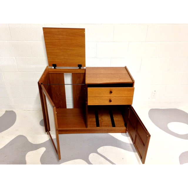 Nathan Glass Fronted Teak Cabinet With Shelves - Image 7 of 7