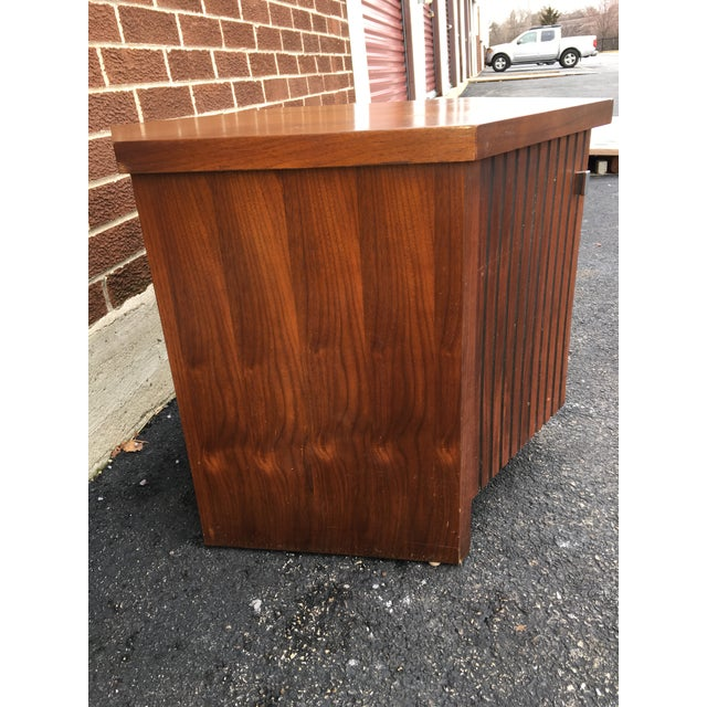 Vintage Lane Walnut Nightstand or Side Table - Image 4 of 5