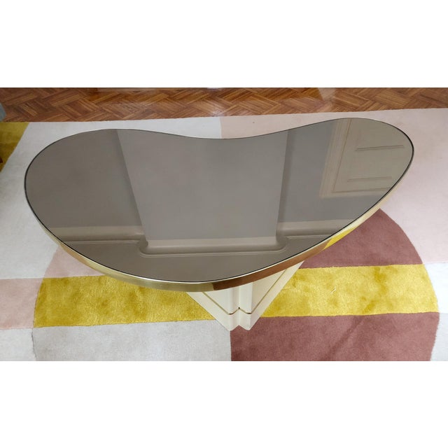 Mid-Century Modern Mirrored Kidney Coffee Table For Sale In New York - Image 6 of 12