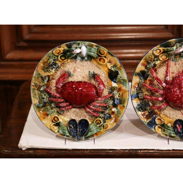 French Pair of Mid-20th Century French Barbotine Wall Platters With Crabs From Brittany For Sale - Image 3 of 8