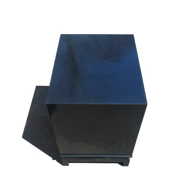 American of Martinsville An American of Martinsville Black Lacquer Nightstand / Dresser For Sale - Image 4 of 8