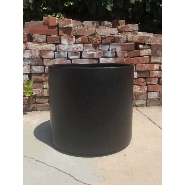 Very large matte black mid-century modern Gainey Ceramics AC-16 planter pot. It is in great condition with no cracks or...