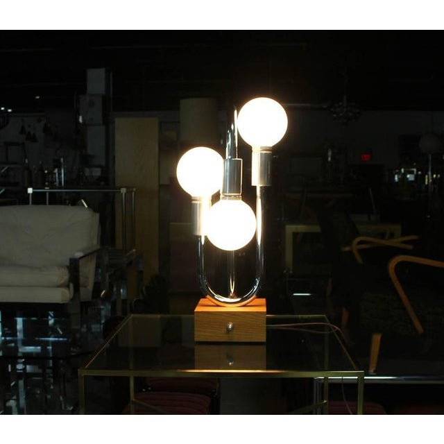 Mid-Century Modern Chrome Bent Tube Design Mid-Century Modern Table Lamp For Sale - Image 3 of 7