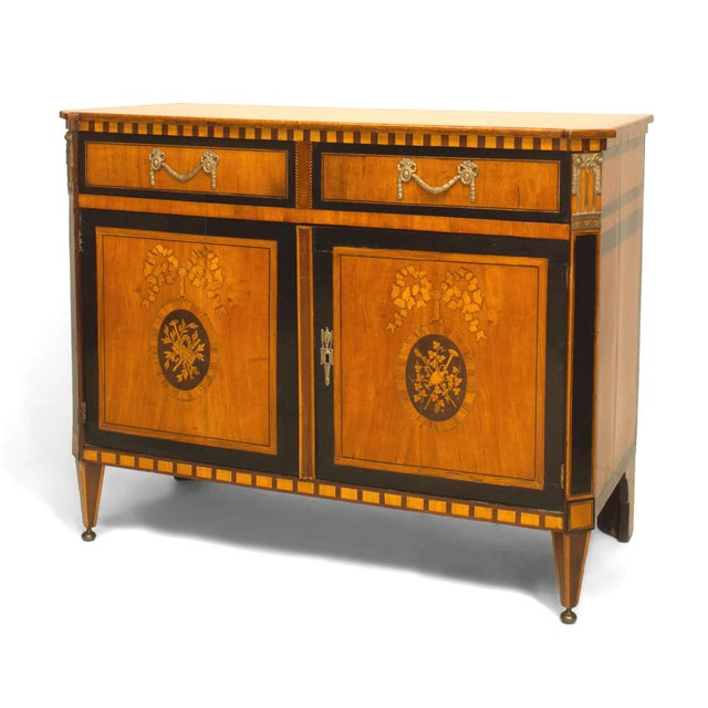 Finely Inlaid Late 18th Century Satinwood Commode For Sale In New York - Image 6 of 6