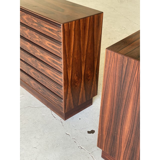 Westnofa Furniture 1960s Westnofa Brazilian Rosewood Highboy Dressers-a Pair For Sale - Image 4 of 11
